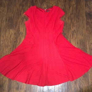 Size 14 P Jessica Howard red dress